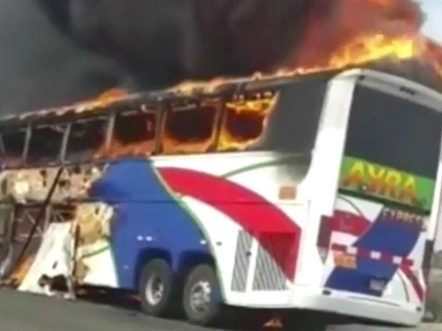 Chiclayo: pasajeros salvan de morir al incendiarse bus por corto circuito