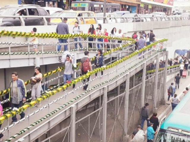 Más de mil soles invirtieron venezolanos para el decorado navideño de puente de Vía Expresa Grau