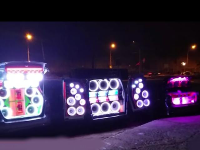 Playa 'Las Sombrillas' Barranco: retiran automóviles con gigantes y estridentes parlantes
