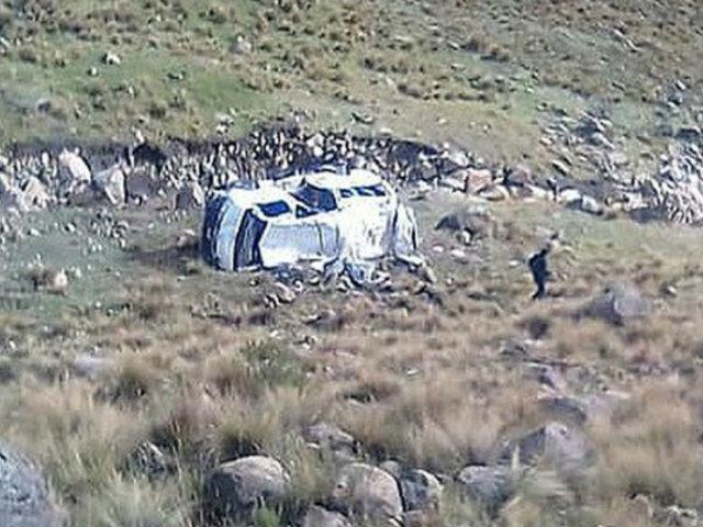 La Libertad: un fallecido y cuatro heridos dejó despiste de minivan