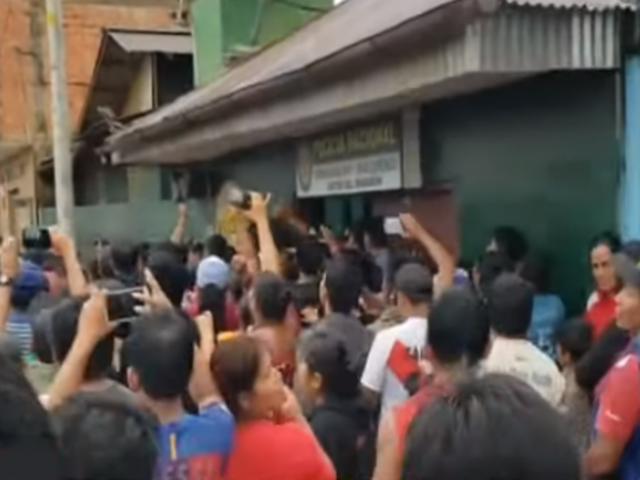 Loreto: vecinos acudieron a comisaría para linchar a sospechoso de periodista asesinada