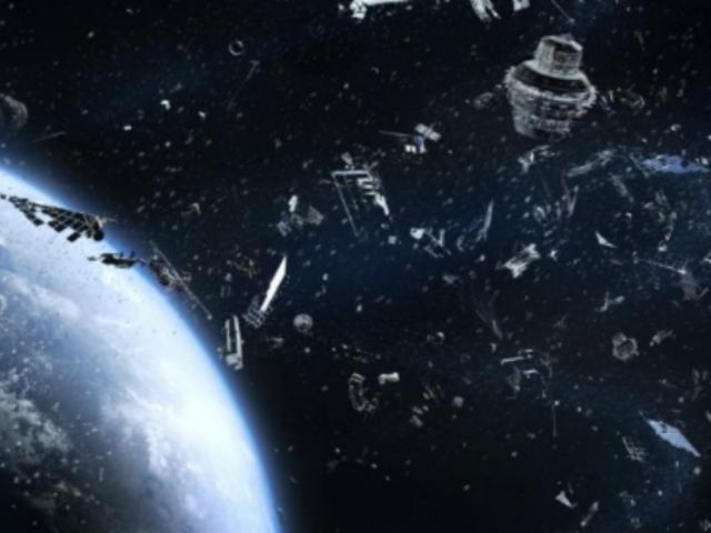 Europa contratará robot para limpiar basura espacial