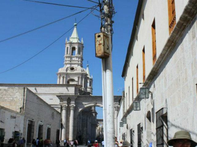 Disponen cambio de cableado aéreo por subterráneo del Casco Histórico de Arequipa
