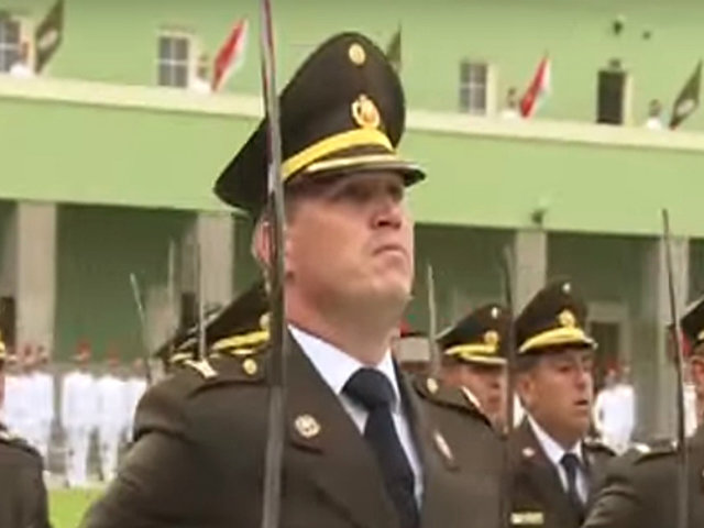 Alcalde Forsyth se convirtió en reservista del Ejército