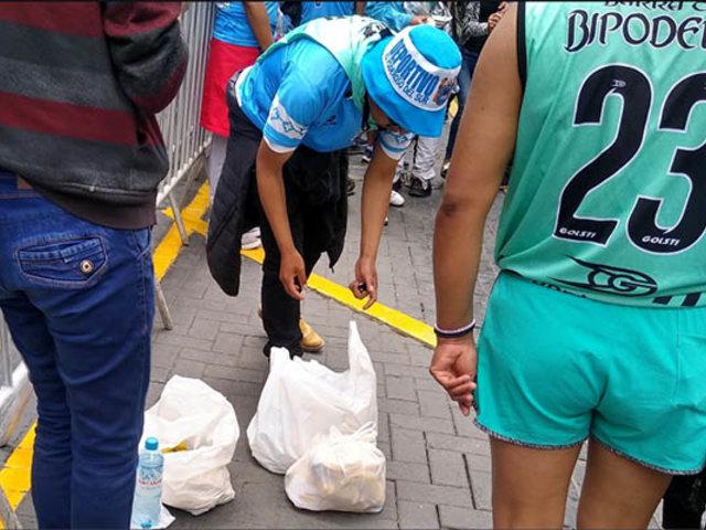 Buen ejemplo: hinchas de Binacional dejan limpias las calles