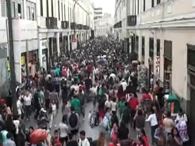 Caos en Mesa Redonda: estibadores y ambulantes bloquean tránsito