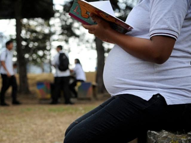 Candidatos al Congreso opinan sobre inculcar la planificación familiar en los jóvenes