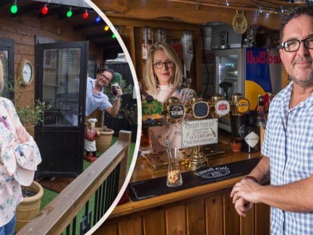 Construyó un bar en jardín de su casa para evitar que su esposo salga a tomar con amigos