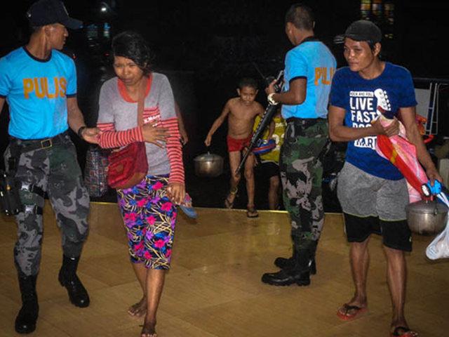 Filipinas: tifón Phanfone azota archipiélago en la víspera de Navidad