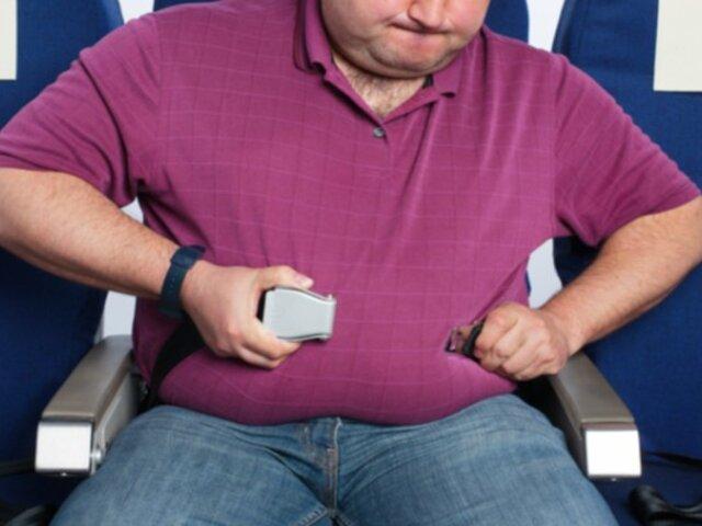 Piden a pasajeros con sobrepeso abandonar avión porque ''impedían despegue''