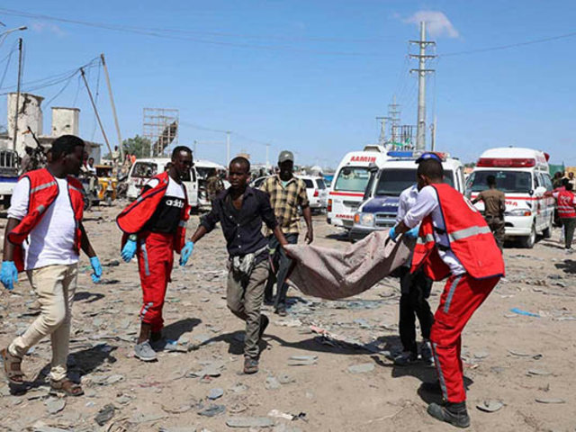 Atentado en Somalia: 76 muertos deja explosión de coche bomba
