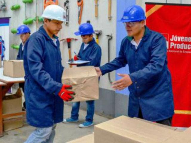Ejecutivo aprobó decreto de urgencia para garantizar seguridad de trabajadores