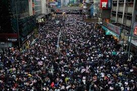 Hong Kong: violentas protestas antigubernamentales en el primer día del año