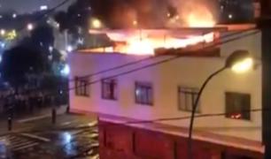 Lince: incendio consumió segundo piso de casa parroquial