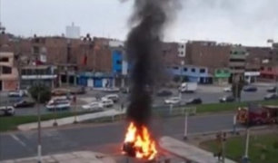 Camioneta se incendió tras aparatoso choque en el Callao