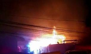 Pueblo Libre: voraz incendio consumió dos viviendas