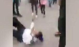 México: mujer policía es agredida brutalmente por vendedora ambulante