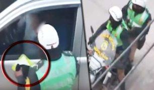 Juliaca: policía de tránsito es captado recibiendo presunta coima