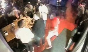 VIDEO: iracundo sujeto mata de un puñetazo a cliente de un bar