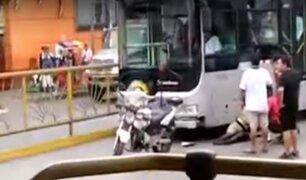 San Martín de Porres: policía es atropellada por bus del Metropolitano en Caquetá