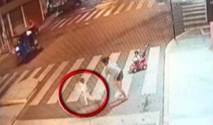 Huarmey:  taxista atropella y arrastra a niño por varios metros ante la mirada de su madre