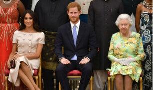 Reina Isabel II brindó su apoyo a duques de Sussex tras alejamiento de Familia Real