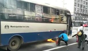 Corredor Azul: bus se habría incendiado por un corto circuito