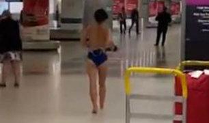 EEUU: Mujer se desnuda en aeropuerto ante decenas de pasajeros