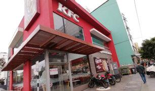 Lince: clausuran temporalmente local de KFC por una serie de observaciones