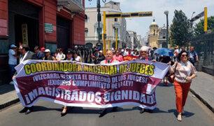 Cercado de Lima: jueces y fiscales marchan exigiendo homologación de sueldos