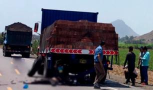 La Libertad: motociclista falleció tras impactar contra camión