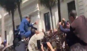 Venezuela: régimen de Maduro allana oficinas de Guaidó