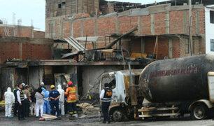 Tragedia en VES: miembros del Ejército retiran escombros de casas afectadas