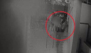 Miraflores: delincuentes amedrentaron a niño para robar auto de alta gama a su padre