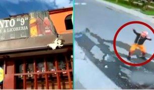 Dueños de bodega se enfrentan con botellazos a delincuentes que les robaron S/50 mil soles