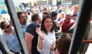 Elecciones 2020: Keiko Fujimori acudió a votar en compañia de su esposo