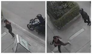 SJM: mujer arroja su celular a una casa y evita robo