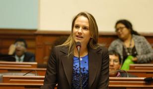 Luciana León: PJ dicta 36 meses de impedimento de salida del país en su contra