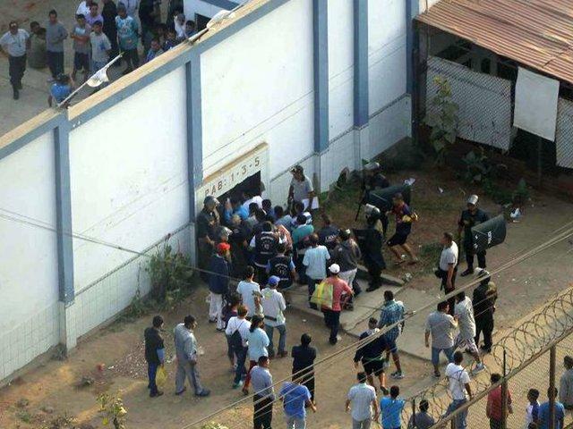 Reyerta en penal mexicano deja 16 muertos y cinco heridos