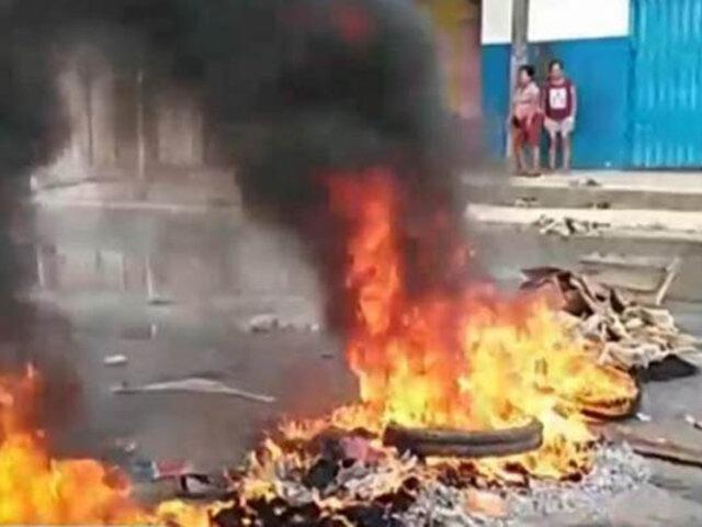 Iquitos: vecinos bloquean transitada avenida en protesta por  aniego