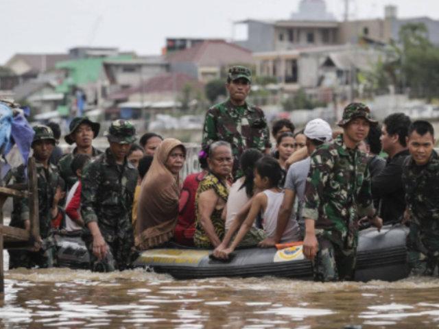 Indonesia: a 44 sube cifra de fallecidos por trágicas inundaciones