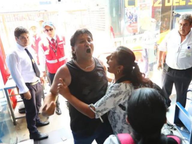 San Isidro: familiares de pasajeros de bus siniestrado en Arequipa causaron destrozos en terminal