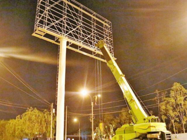 Breña: vecinos alzaron su voz de protesta por colocación de panel luminoso