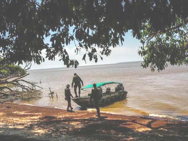 Loreto: 4 policías desaparecen tras hundimiento de embarcación