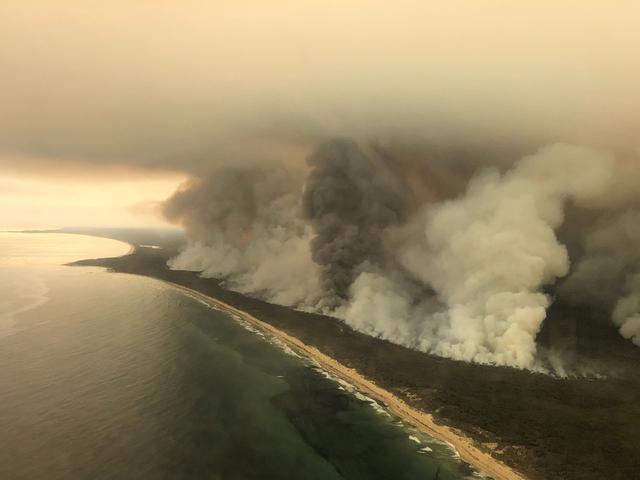 Humo de catastróficos incendios en Australia podría dar la vuelta al planeta