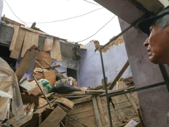 Vecinos atemorizados tras derrumbe de techo de vivienda en quinta