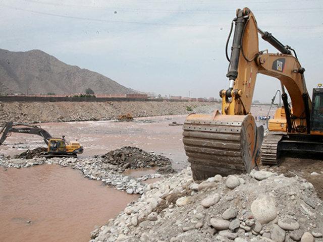 Realizan trabajos de prevención para evitar desbordes del río Rímac