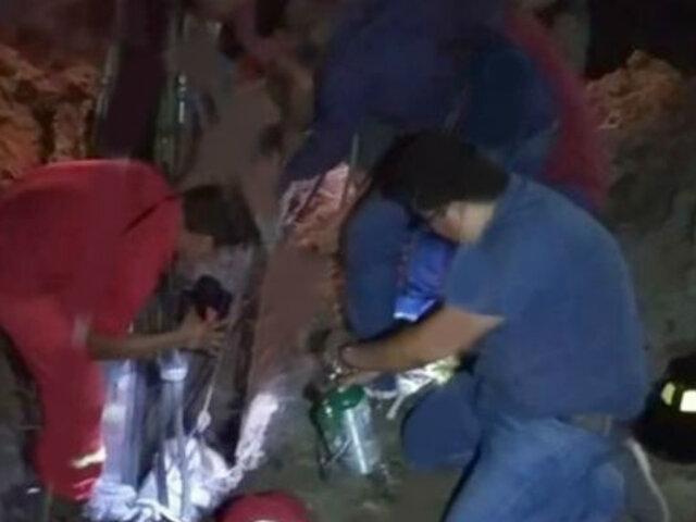 Pucallpa: rescatan a obreros atrapados en zanja de ocho metros