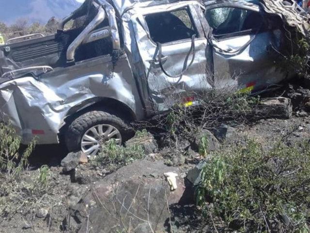 Áncash: un muerto y dos heridos tras caída de vehículo a abismo de 80 metros