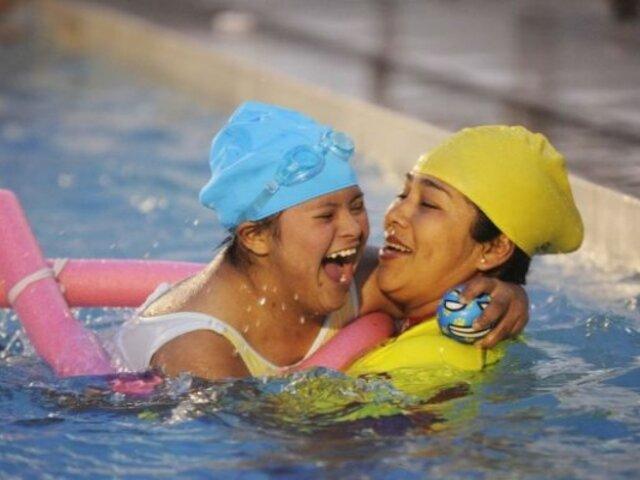 La Victoria: inauguran taller de natación para niños y jóvenes con habilidades especiales